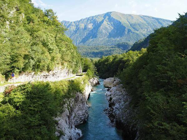 MTB Transalp durch Slowenien, Socafluß bei Kobarid