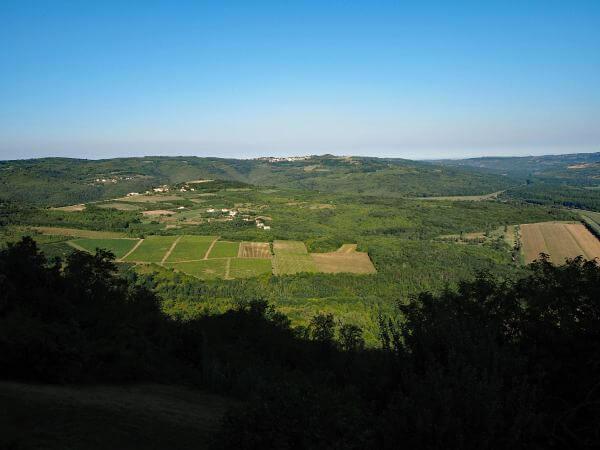 Panorama in Istrien auf dem Parenzana Bahnradweg