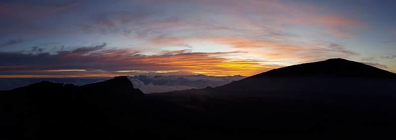 Wanderreise auf La Reunion, Sonnenaufgang am Piton de la Fournaise (2631 m)