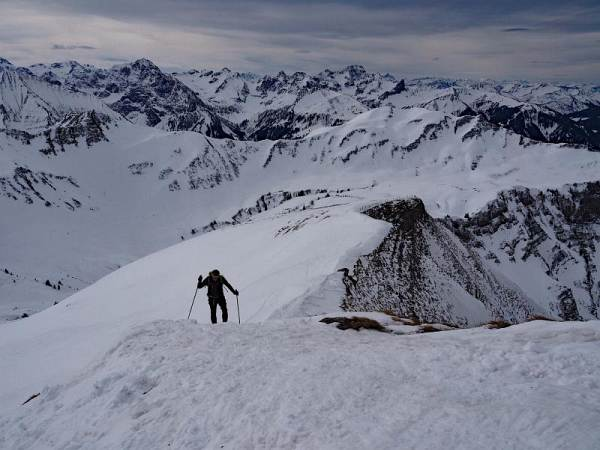 Hählekopf, Schneeschuhwandern in den Allgäuer Alpen. Kurz vorm Gipfel.