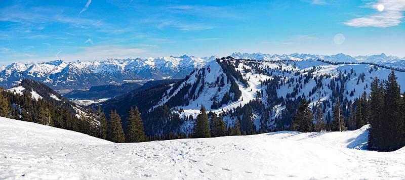 Schneeschuhwanderung zum Rangiswanger Horn bei Gunzesried, Panorama