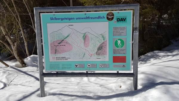 Scheinberg, Schneeschuhwandern im Winter, Hinweisschild.